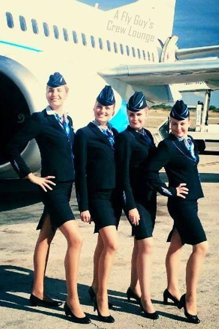 35 Sexy Flight Attendant Selfies From Around The Globe A