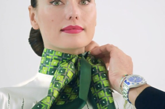 Ground staff scarf