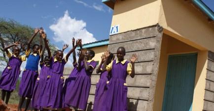 670px_Kenya_Women-and-Water5