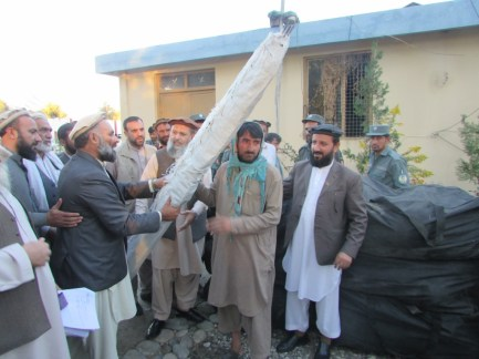 Sarkani-District-Kunar-Province-Afghanistan.-Delivering-NFIs-to-Communities