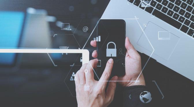 Rezygnacja z prywatności w sieci jako nieunikniony podatek