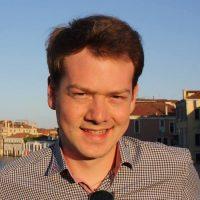 Mario-Schneider-Speaker-beim-Internet-Marketing-Kongress.jpg