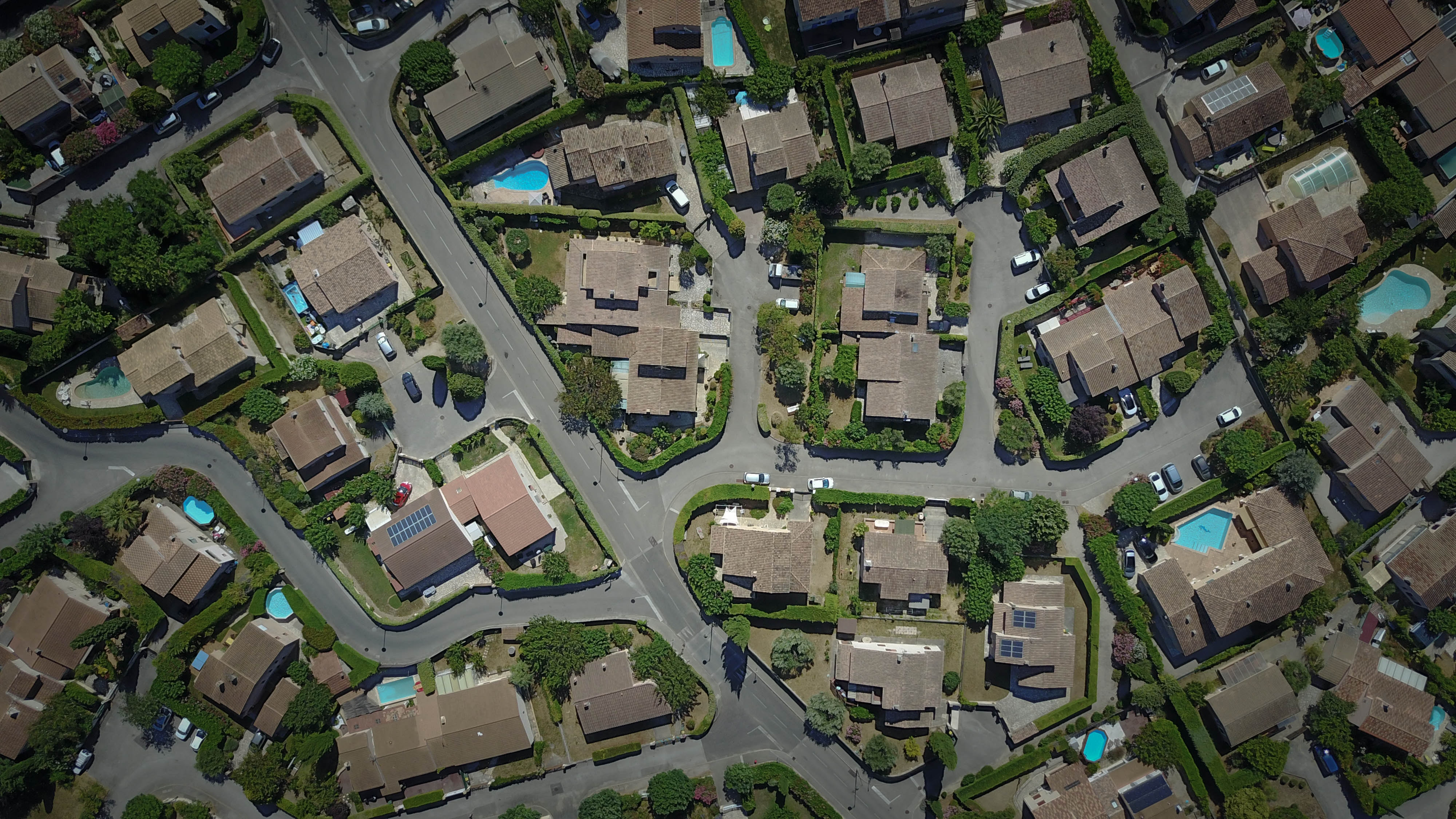 zillow intends to buy and flip