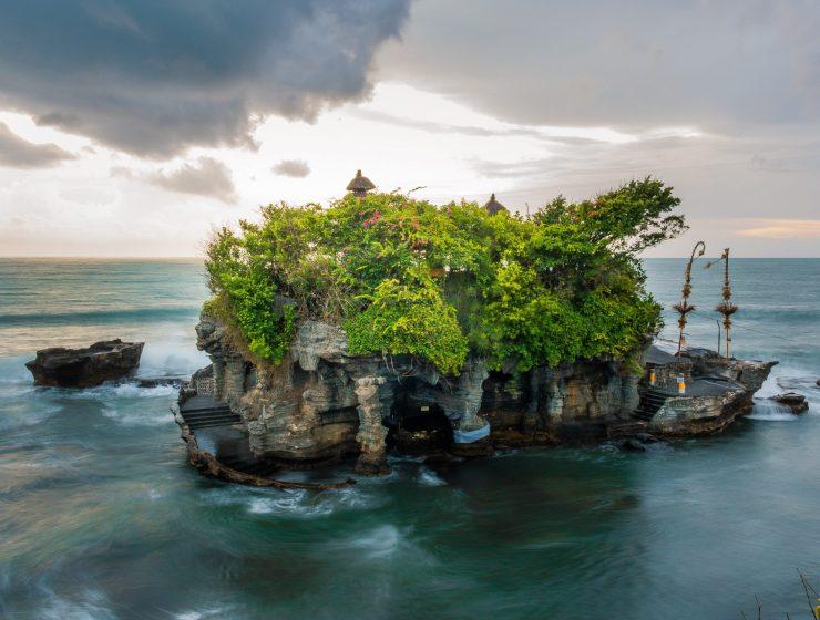 Island-chain-internet-bull-report