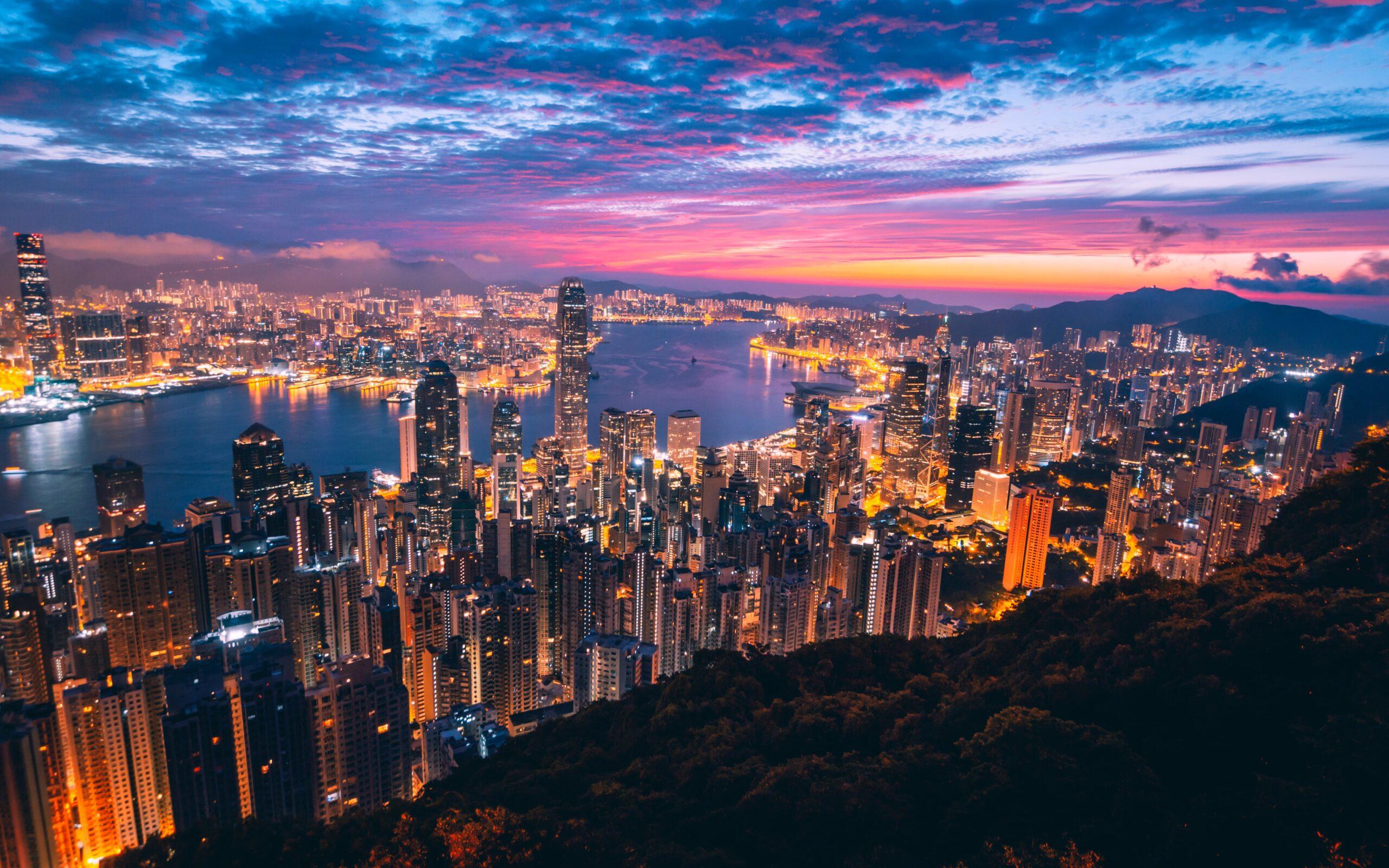 Hong-Kong=UK-The-Internet-Bull-Report