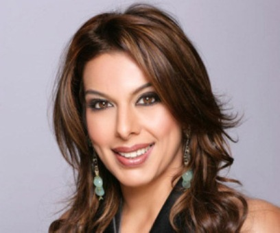 Pooja Bedi suffers Twitter Libel