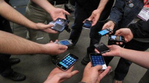 Los Millennials están atados a sus móviles