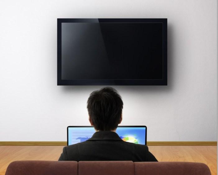 Video online vs Televisión: Empate técnico