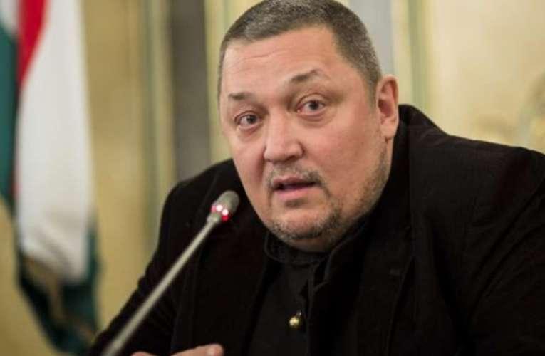 Vidnyánszky: új vezetés kell az egyetem élére