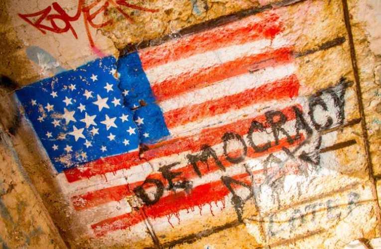 A demokrácia vége