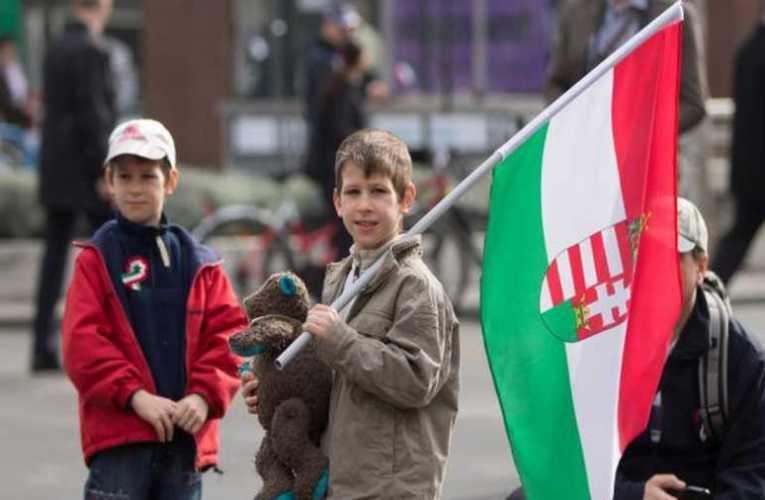 FONTOS: NEMZETKÖZI PETÍCIÓ – Álljunk ki HAZÁNK és GYERMEKEINK védelmében, az LMBTQ propagandával szemben
