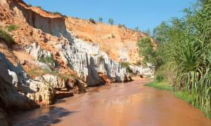 Vietnam-River Schlucht Wasser in der Wüste