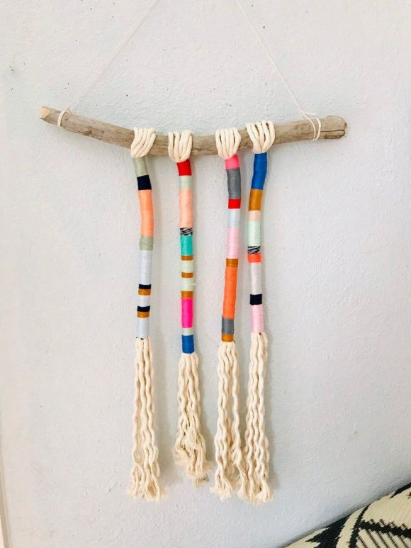 Yarn-Wrapped-Tassel-Wall-Hanging