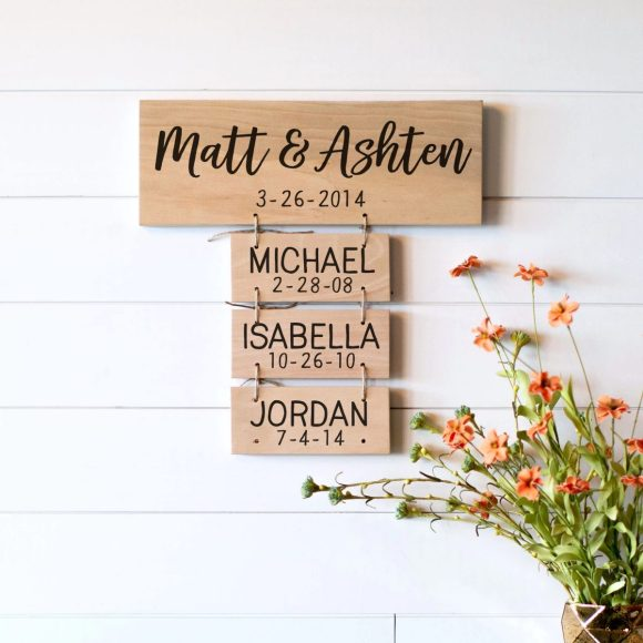 Personalized-Hanging-Family-Name