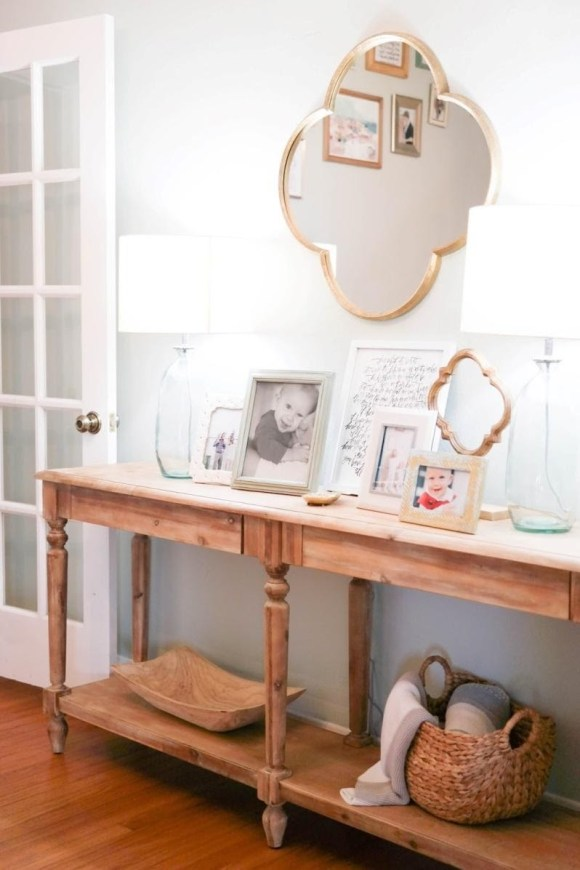 Quatrefoil for Simple Foyer