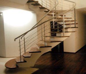 laiptai-ant-centrines-lakstinio-plieno-sijos-m7-2
