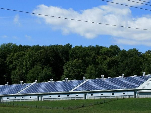 Saulės parkais varomos gyvenvietės