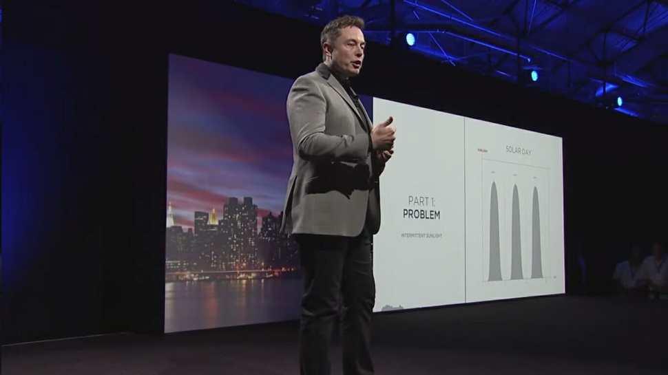 Speaker Elon Musk bei der Tesla Energy Keynote