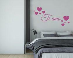 adesivo murale-ti amo con cuori