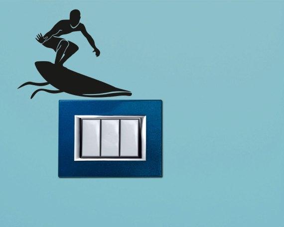 Mini sticker murale-surfista tra le onde