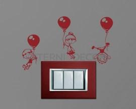 Mini sticker murale-bimbi in volo con palloncini