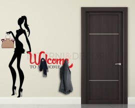 Appendiabiti design-welcome to my home con ragazza