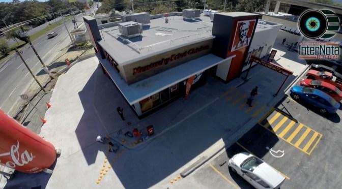 INAUGURAN EL NEGOCIO NÚMERO 12 DE KFC LA FRANQUICIA EN SANTIAGO N.L.
