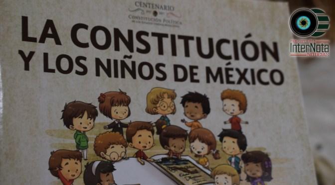 ENTREGAN LIBROS DE LA CONSTITUCIÓN MEXICANA A PEQUEÑOS EN LAS ESCUELAS.