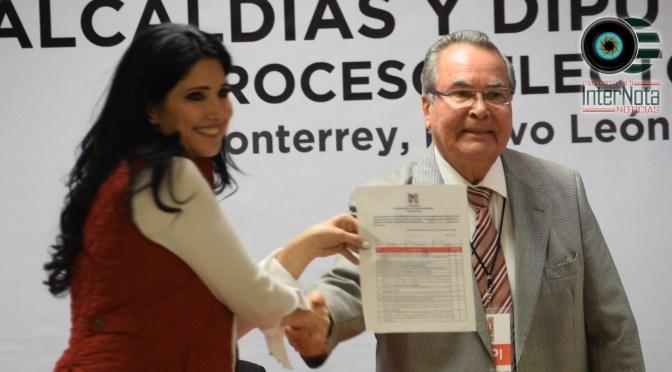 PATRICIA SALAZAR SE REGISTRA COMO PRECANDIDATA DEL PRI A LA ALCALDÍA DE ALLENDE