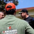 """JAVIER CABALLERO GAONA CANDIDATO A LA ALCALDÍA DE SANTIAGO, PRI, ACOMPAÑADO DE MARCO GONZÁLEZ CANDIDATO A DIPUTADO LOCAL POR EL DISTRITO 26, RECORRE LAS CALLES DE LA COLONIA """"LOS FIERROS"""" PARA DAR A CONOCER SUS PROPUESTAS."""