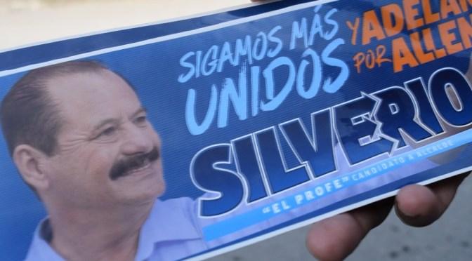 """RECORRE CALLES DE BUENA VISTA EL CANDIDATO DEL PAN A LA ALCALDÍA DE ALLENDE SILVERIO FLORES LEAL """"EL PROFE"""""""