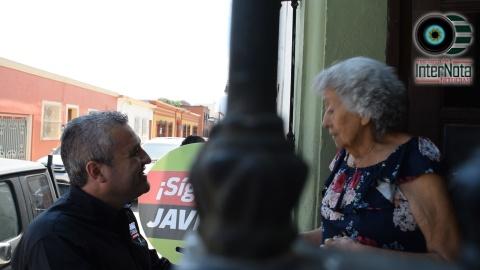 CANDIDATO JAVIER CABALLERO GAONA REALIZA RECORRIDO POR LA ZONA CENTRO DEL MUNICIPIO DE SANTIAGO, N.L