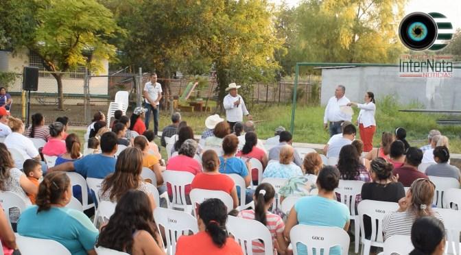ELEUTERIO VILLAGOMEZ VISITA A LOS VECINOS DE LA COMUNIDAD DE LA PURISIMA GENERAL TERAN N.L.