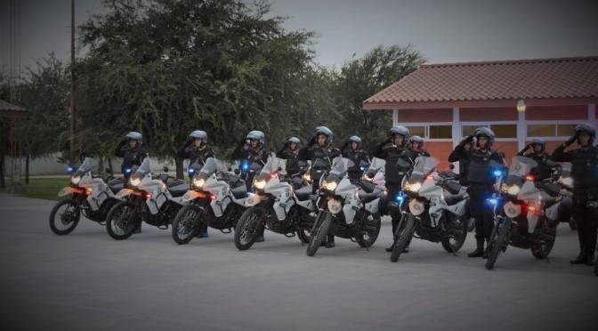 GOBIERNO INDEPENDIENTE DA BANDERAZO A 100 ELEMENTOS MOTOCICLISTAS.
