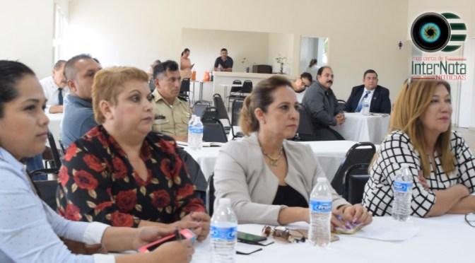 LLEVAN A CABO REUNIÓN CON MAESTROS DEL MUNICIPIO.