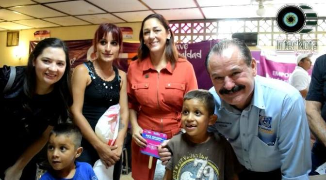 REALIZAN ENTREGA DE APARATOS AUDITIVOS AL PEQUEÑO ÓSCAR OZIEL CARRANZA FUENTES.