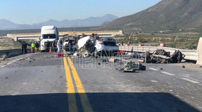ACCIDENTE EN LA CARRETERA SALTILLO – MONTERREY DEJA SALDO DE 3 MUERTOS.