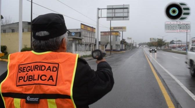 REALIZAN OPERATIVO DE REDUCCIÓN DE VELOCIDAD EN CARRETERA NACIONAL ALLENDE N.L.