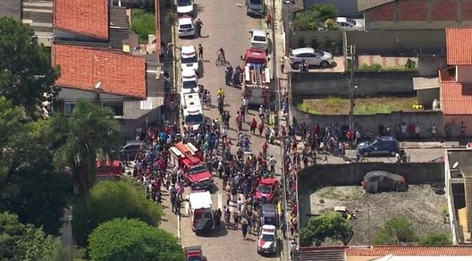 MUEREN 5 NIÑOS EN ATAQUE A ESCUELA DE BRASIL.