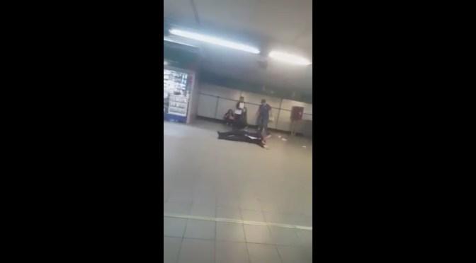 POLICÍA ES NOQUEADO EN EL METRO.