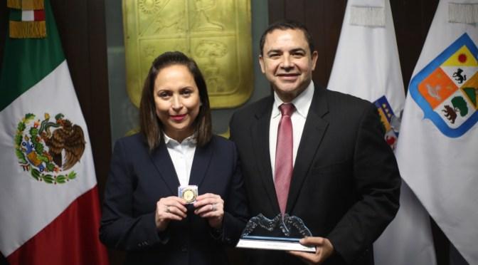 ALCALDESA CRISTINA DIAZ RECONOCE A HENRY CUELLAR CONGRESISTA DE EUA COMO VISITANTE DISTINGUIDO