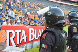 BLINDARAN ESTADIO UNIVERSITARIO CON MÁS DE 2,600 POLICÍAS