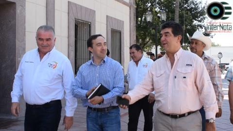ALCALDE ELEUTERIO VILLAGÓMEZ SE REÚNE CON DIPUTADO FEDERAL PARA HABLAR SOBRE ELECTRIFICACIÓN DE BOMBAS DE RIEGO EN VAQUERÍAS GENERAL TERAN N.L.