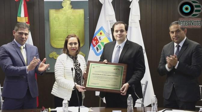 RECONOCE ALCALDESA DE GUADALUPE CRISTINA DÍAZ LABOR SOCIAL DE COLONOS CONTRY LA SILLA.