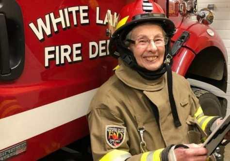 vovó-voluntária-bombeiros-1
