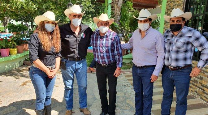 EL DIPUTADO FEDERAL POR EL DISTRITO 9, JUAN ESPINOZA EGUÍA EN COMPAÑÍA DEL PRESIDENTE COMITÉ DIRECTIVO ESTATAL, HERIBERTO TREVIÑO REALIZARON UNA GIRA POR LOS MUNICIPIOS DE GALEANA, ITURBIDE Y DR. ARROYO.