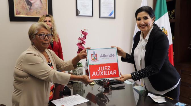 ENTREGA ALCALDESA NOMBRAMIENTO A NUEVA JUEZ AUXILIAR DE HACIENDA SAN ANTONIO, ALLENDE NL