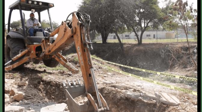 DAN ARRANQUE DE CONSTRUCCIÓN DE PUENTE PEATONAL EN COLONIA HÉROE DE NACOZARI.