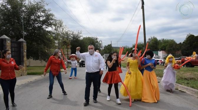 CANDIDATO A LA ALCALDÍA POR RSP, JAIME JIMMY FERNÁNDEZ ENTREGA JUGUETES A NIÑOS DE ALLENDE, N.L.