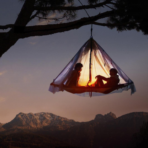 Take a look at these essential camping accessories!